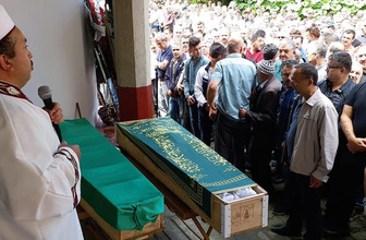 Giresun'da trafik kazasında hayatını kaybeden 3 kişi son yolculuğuna uğurlandı