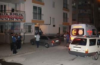 Travestinin evinde yakaladığı babasını bıçaklayarak öldürdü
