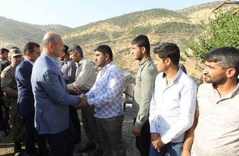 Bakan Süleyman Soylu Hakkari'de vatandaşlarla bayramlaştı