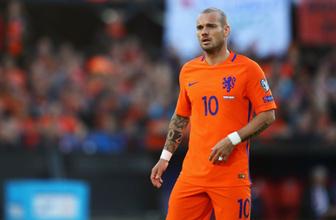 Wesley Sneijder futbolu bıraktığını açıkladı