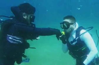 Su altında el öptürdü bulduğu parayı bakın ne yaptı