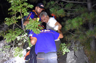 Uludağ'da yaralanan arkadaşına yapraklardan 'yorgan' yapmış