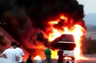 Bolu'da seyir halindeki yolcu otobüsü yandı
