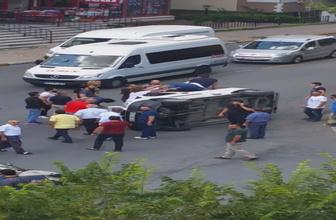 İstanbul Güngören'de araç yan yattı çevredeki vatandaş yardıma koştu