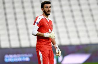 Bursaspor'un gözde kalecisi Muhammed Şengezer Levante'ye yakın