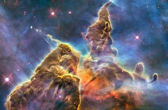 Hubble'dan 'dans halindeki' iki galaksinin görüntüsü yayınlandı