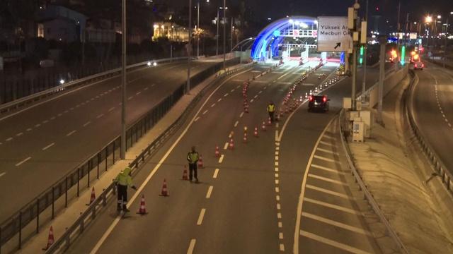 İstanbul'daki Cumhur İttifakı mitingiyle yollar trafiğe kapatıldı