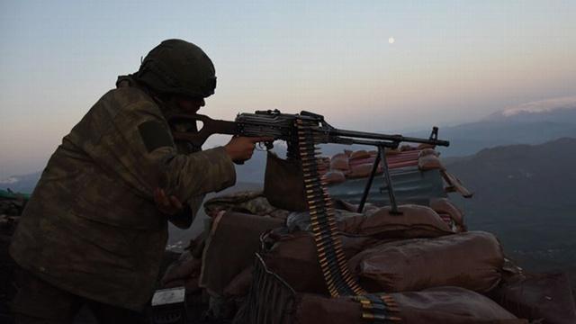 Ağrı'da 2 PKK'lı terörist etkisiz hale getirildi