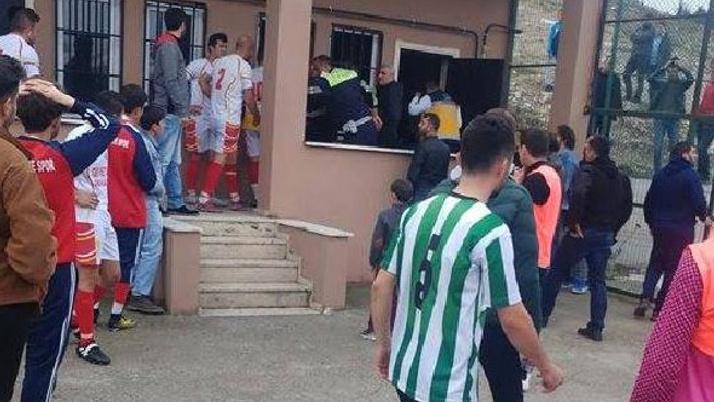 Maç esnasında kalp krizi geçiren futbolcu hayatını kaybetti