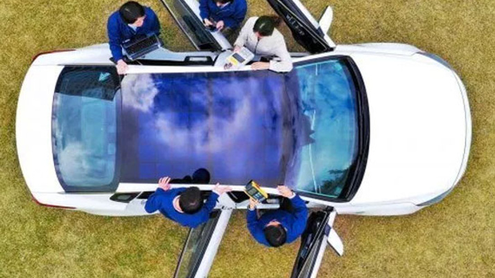Hyundai ve Kia araçlarına devrim gibi yenilik! Güneş paneli ile şarj desteği