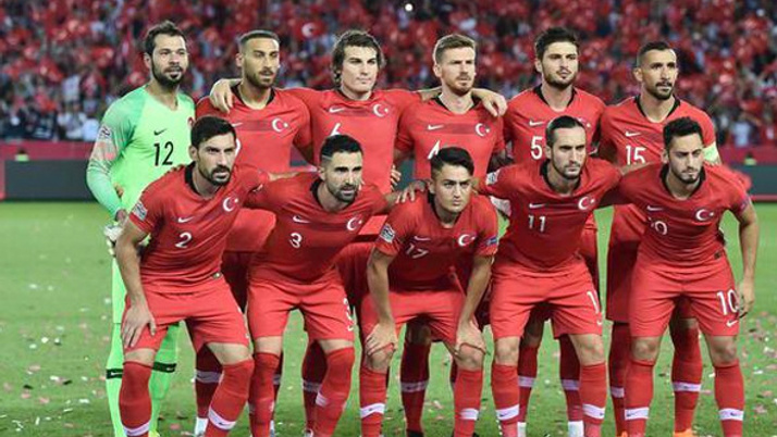 Dibe vurduk! Türkiye, FIFA sıralamasında geriledi