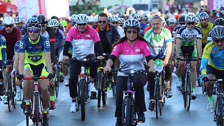 Başkan Türel farkındalık için pedal çevirdi