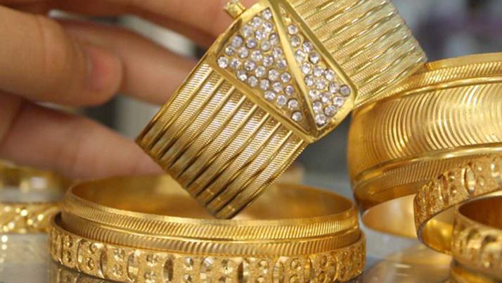 Altın fiyatları düşüyor gram altın çeyrek altın ne kadar (30 Mayıs 2018)