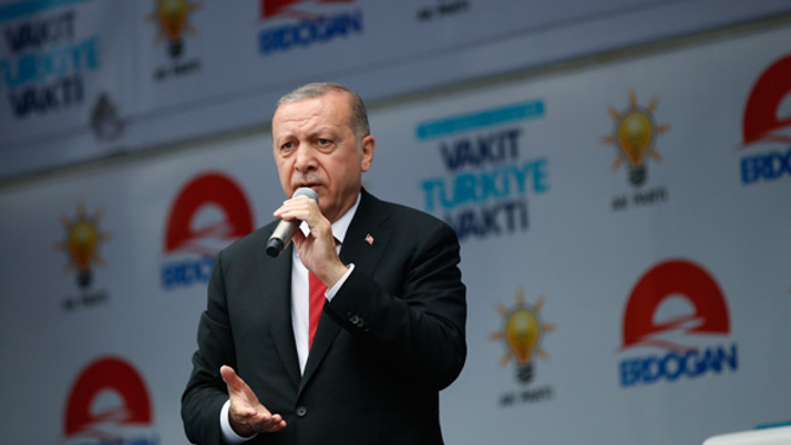 Erdoğan: Bu milletin hizmetkarı olmakla övündüm