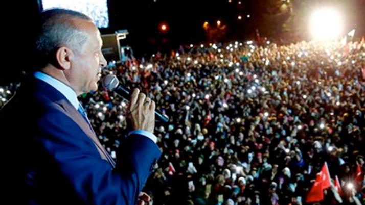 Erdoğan'ın konuşması sırasında talihsiz kaza