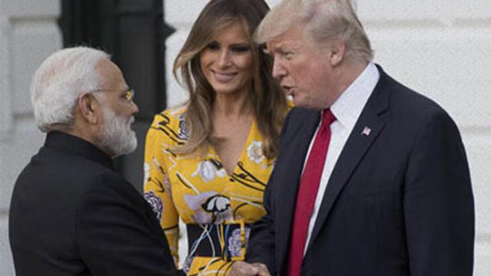 Trump'tan büyük gaf! Eşinin gelmeyeceğini öğrenince...