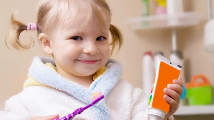 Yaşlara göre diş macunu kullanımı! Eğer 3 yaşında çocuğunuz varsa...