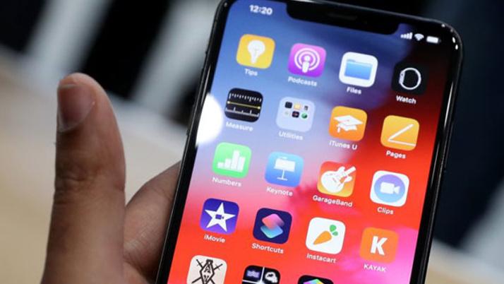 iPhone için flaş iddia! OLED'e geçiş yapılıyor
