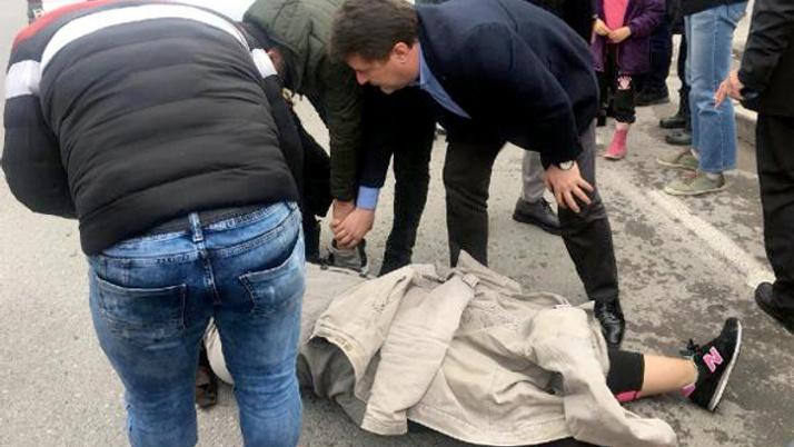 AK Parti'nin doktor adayı yaralı kadına ilk müdahaleyi yaptı