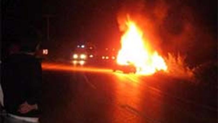 На крымской трассе сгорел микроавтобус