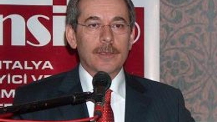 Abdüllatif Şener'i sağ kolu yıktı