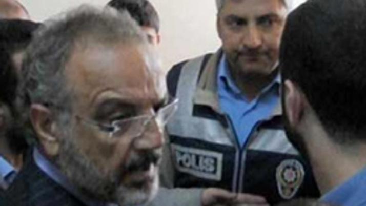 Ağrı'da polise seçim fırçası: Terbiyesiz!