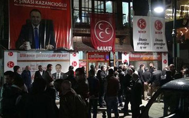 MHP seçim bürosuna silahlı baskın