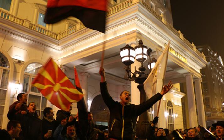 Makedonya'daki genel seçimlerde iki lider de zafer ilan etti