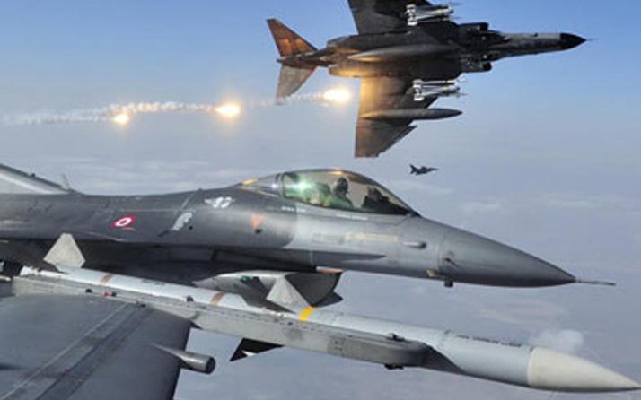TSK Metina ve Hakurk'ta terör örgütü PKK'yı bombaladı