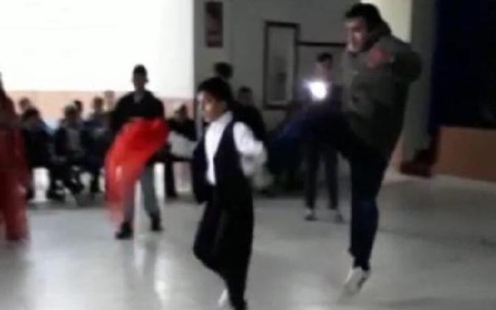 Sinsice arkadan yaklaştı düğünde oynayan çocuğa tekme attı
