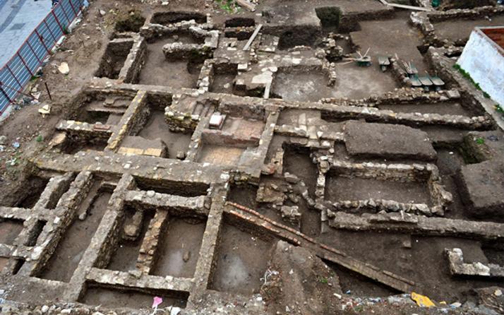 Çanakkale'de AVM inşaatı sırasında tarihi bulgulara rastlandı