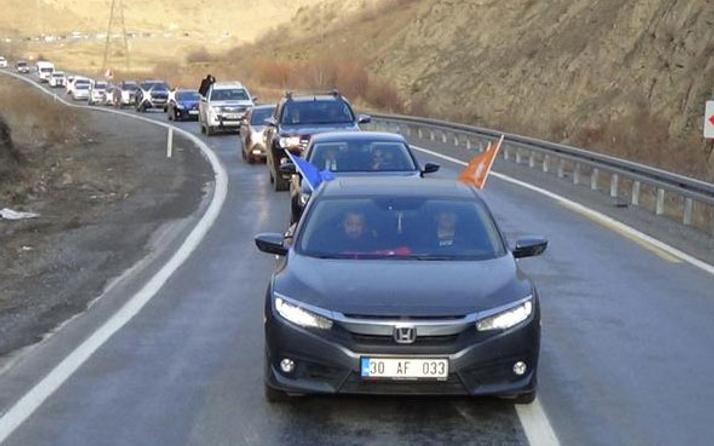 Seçimi kazanınca 200 araçlık konvoyla karşılandı