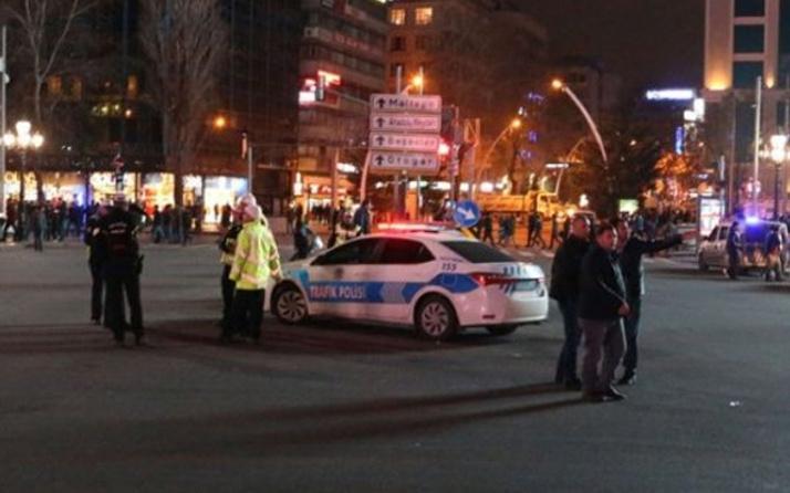 Ankara'da Kızılay meydanında yeni yıl coşkusu