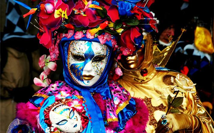 İtalya'da tarihi Venedik Karnavalı'na katılımcı akını