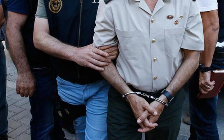 FETÖ soruşturmasında 14 asker gözaltında