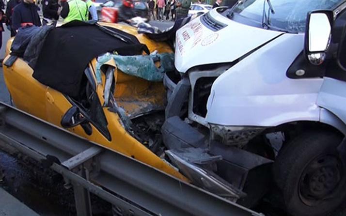 Maltepe'de korkunç kaza: 2 ölü 3 yaralı