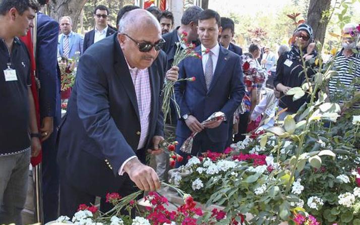 Tuğrul Türkeş'ten tepki: 'Önce sen kes bağlarını'