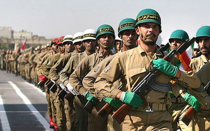 İran'da asker cinneti: 4 ölü 8 yaralı