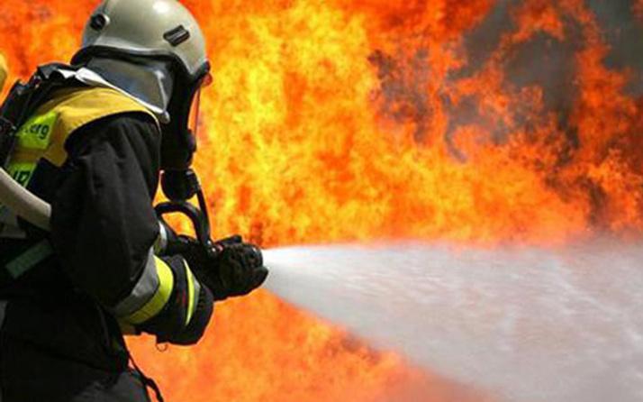 Esenyurt'ta ayakkabı fabrikasında yangın