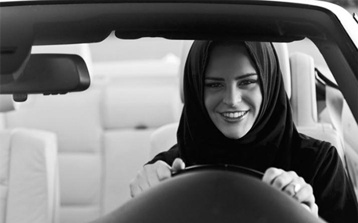 Suudi Arabistan'da kadınlara otomobil kullanma izni!