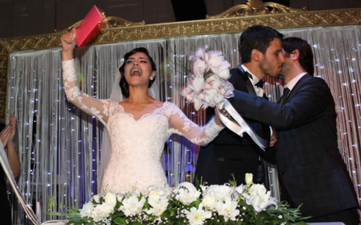 Hazal Filiz Küçükköse Tuan Tunalı boşanıyor ayrılık sebebi ihanet mi