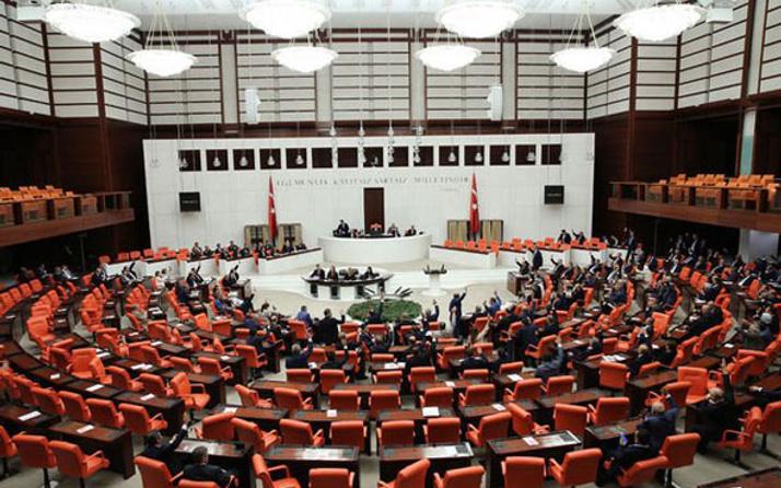 Meclis'te 'harçlık' krizi! Muhalefet kavasları isyanda...