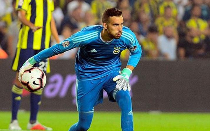 Fenerbahçe'nin kalecisi Harun bu görüntüsüyle çıldırttı!