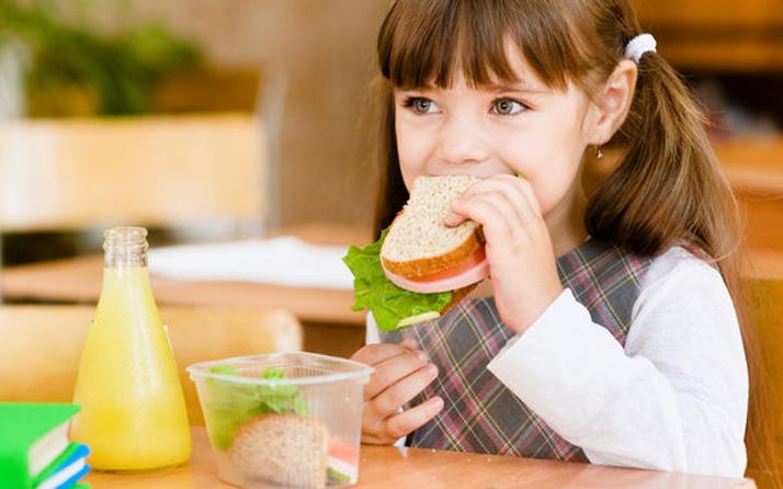 Okula giden çocuğun beslenme çantasında neler olmalı?