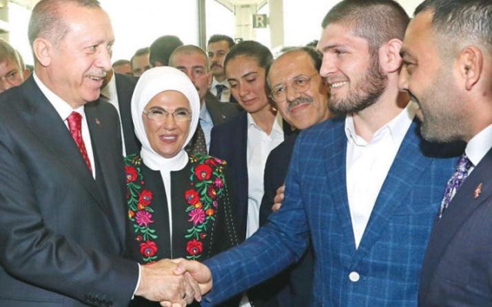 Şampiyon dövüşçü: 'Erdoğan'la Türkçe konuşacağım'