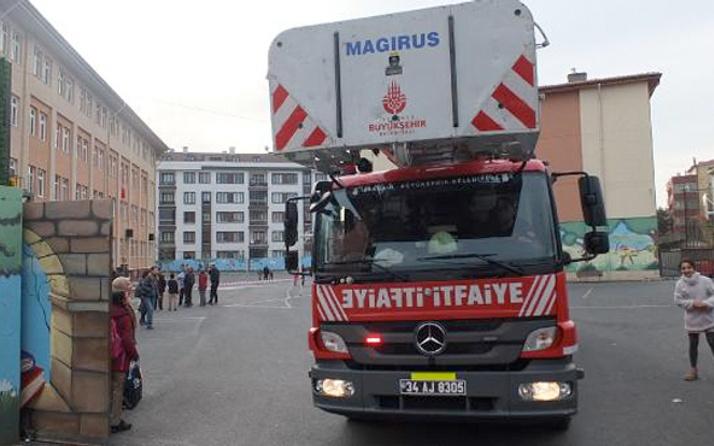 Ataşehir'de ilköğretim okulunda yangın çıktı