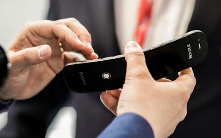 Royole ilk ekranı katlanabilen akıllı telefonunu tanıttı!