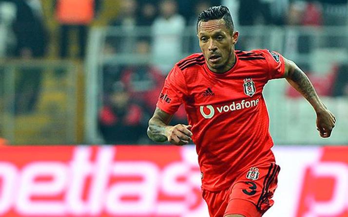 Beşiktaşlı Adriano'ya talip var