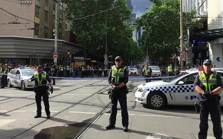 Avustralya'da bıçaklı saldırı Saldırgan öldürüldü