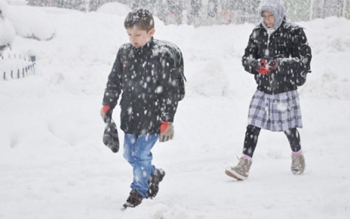 Marmara'yı kar esir alıyor 3 ilde okullar tatil edildi